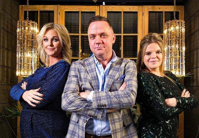 Steve Tielens, geflankeerd door Eveline Cannoot (links) en Celien (rechts).