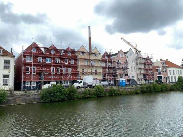 De Vereniging Binnenstad Bergen op Zoom is niet te spreken over het voornemen van de gemeente om zowel de Zuidzijde als de Noordzijde Haven tijdelijk te verstevigen met zandzakken.