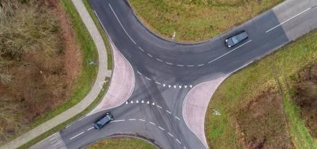 Staphorst wikt en weegt over aanpak gevaarlijke kruising