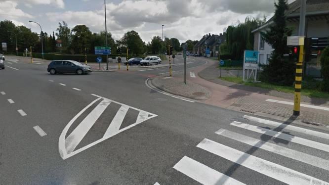 Slimme verkeerslichten en langere afslagstrook: AWV maakt kruispunt Sint-Truidersteenweg met Rode Kruislaan verkeersveiliger