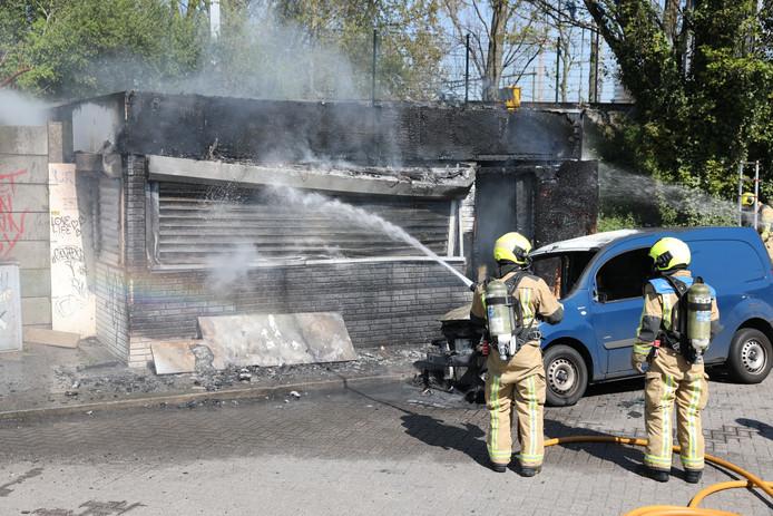 Brand in oude patatkraam bij Trekvlietplein