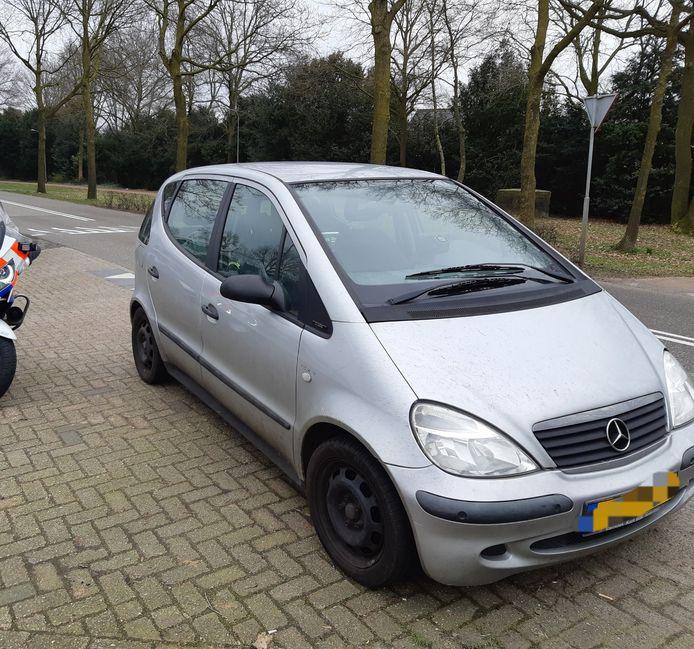 Man met verlopen rijbewijs aangehouden.