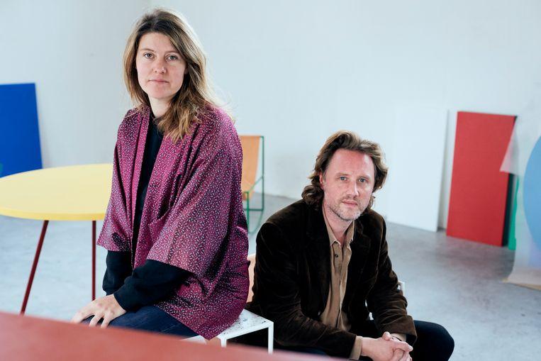 Fien Muller en Hannes Van Severen: 'We willen de dingen op een zo eerlijk en eenvoudige manier samenstellen. En niets verbergen.' Beeld Joris Casaer