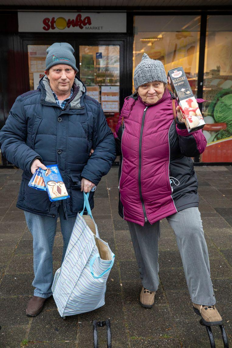 Ton en Theresa Zevenhoven voor de 'Stonka' in Waddinxveen.  Beeld Werry Crone