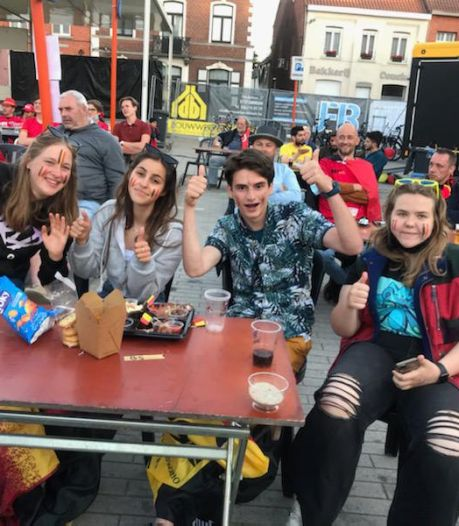 """Supporters vieren doelpunten van Rode Duivels in bubbels: """"Doet ons verlangen naar volle pleinen, waar je wel mag recht springen"""""""