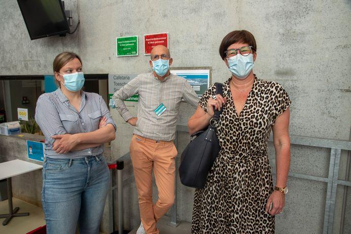 Katrien Jacobs (50) kreeg vandaag het 50.000ste vaccin in het vaccinatiecentrum in Wetteren.