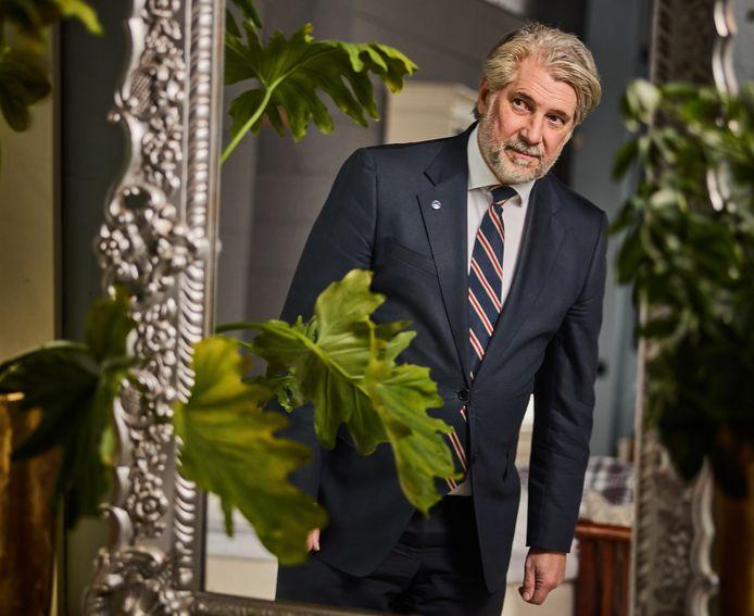 Burgemeester Peter Oskam van Capelle aan den IJssel: ,,Ik ben burgemeester geworden om veel met mensen in contact te zijn.''