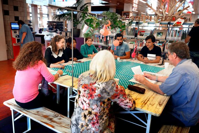 Taalbingo in de Bibliotheek Aan Zet in Gorinchem.