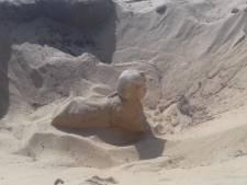 Archeologen vinden miniatuursfinx in uitstekende staat