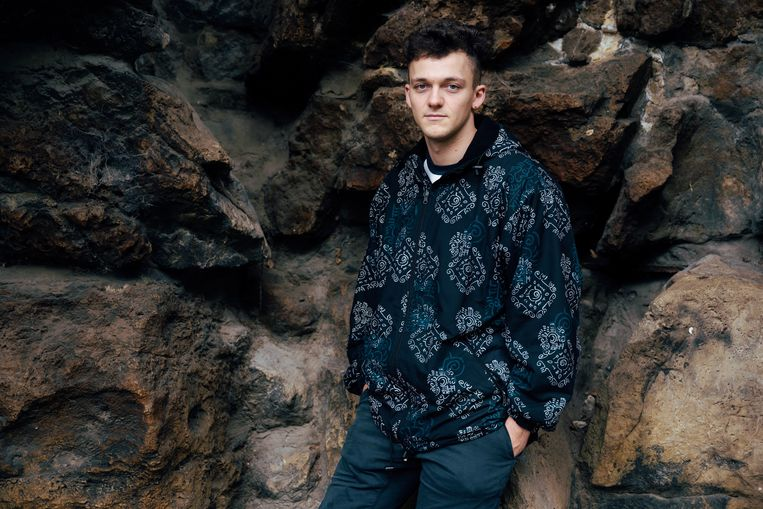 Shandro (27): 'Je voelt weinig verbinding met je Facebook-vrienden.' Beeld Damon De Backer