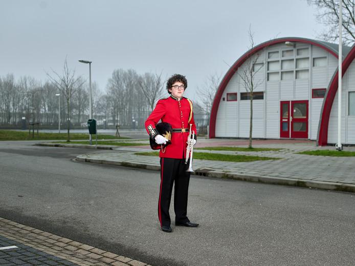 Bram de Recht is trompettist bij harmonie De Pionier. Hij wil beroepsmuzikant worden.
