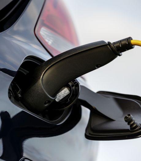 Elektrische auto blijft voorlopig duur. Aldus Toyota, de grootste autofabrikant ter wereld
