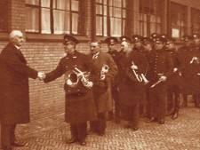 In 1933 zeiden we U tegen de burgemeester, bij Van Zanen werd het al gauw 'dag jochie'