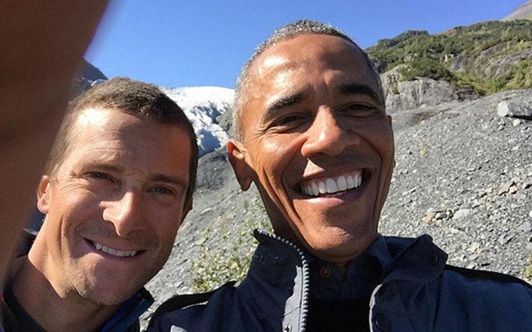 Bear Grylls maakt een selfie met voormalig Amerikaans president Barack Obama.
