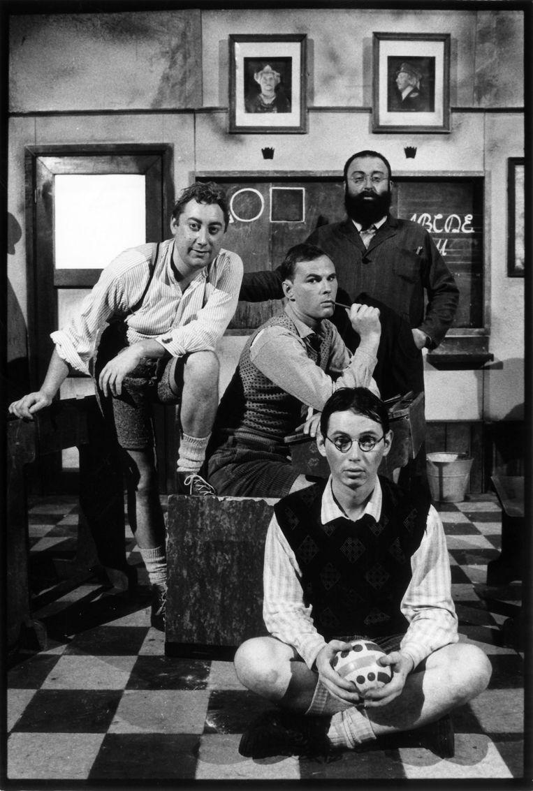 Freek (rechts boven) in zijn jongere jaren, met onder meer een jonge Luk De Bruyker (links boven) Beeld Sabine Van Damme
