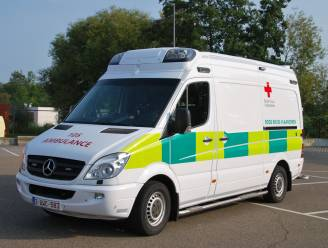 """Rode Kruisafdeling Zoutleeuw-Linter-Geetbets lijft nieuwe ziekenwagen in ondanks beperkte inkomsten: """"We hebben hier twee jaar over nagedacht, maar we hebben hem nodig"""""""