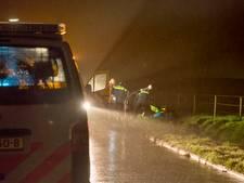 Man ligt uren in sloot in Oud-Vossemeer