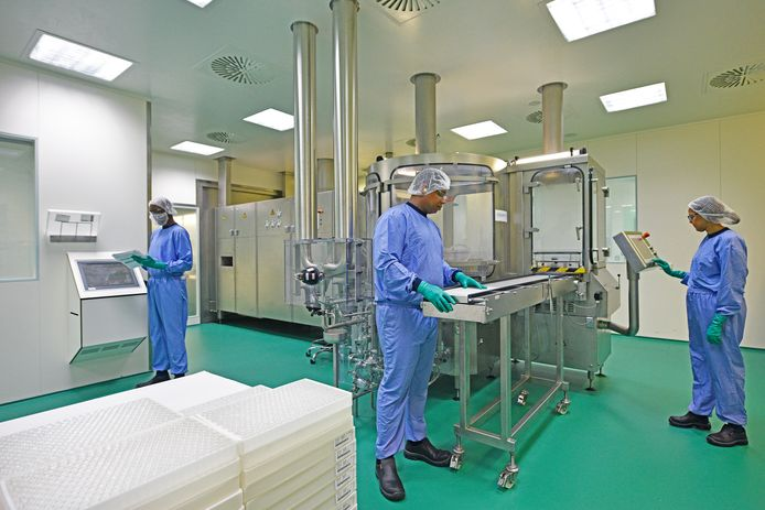 Geneesmiddelenbedrijf MSD uit Oss heeft de productie van spierverslappers bijna verdubbeld in tijden van corona. Patiënten op de IC met ademnood hebben het middel, dat ook door andere bedrijven wordt gemaakt en geleverd, keihard nodig.