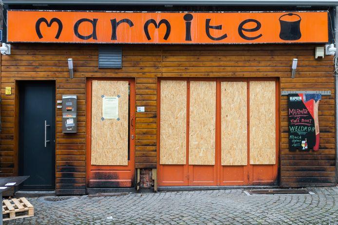 Ook Marmite, waar menig student zich doorgaans met de ene na de andere kater opzadelt, steunt de actie ook.