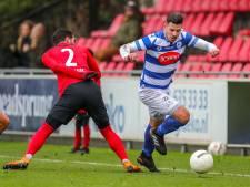 Spakenburg-speler Thomas van den Houten stopt met voetballen