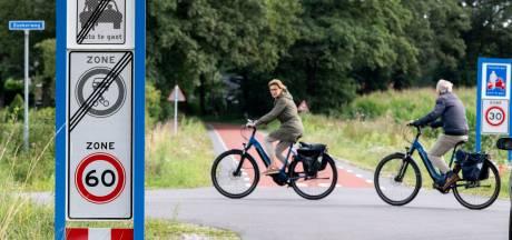 Doorgaand verkeer blijft taboe op Losserse fietsstraat Hogeboekelweg