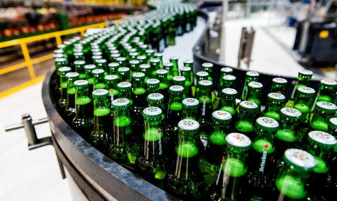 Heineken verkocht 9,6 procent meer in het eerste halfjaar.