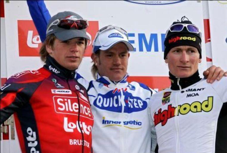 Wouter Weylandt won vorig jaar voor Jürgen Roelandts (l) en André Greipel (r). Beeld UNKNOWN