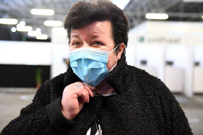 Karin Derua in het vaccinatiecentrum.