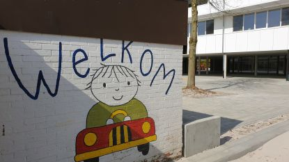 """Gemeente betaalt 'helpers' voor heropstart van scholen: """"Leerkrachten krijgen niet alles zelf georganiseerd"""""""