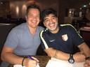 Bob van Oosterhout en Diego Maradona in Mierlo.