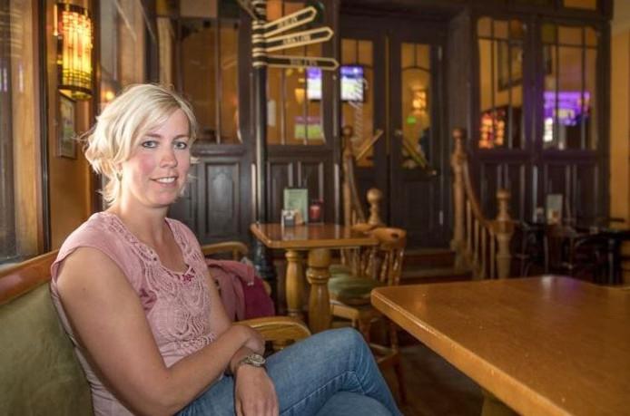 Judith de Jong ontmoette een nieuwe vriendin via de oproep van twee jaar geleden in Sally O'Briens. Foto: Frans Paalman