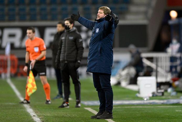 HVH heftig gesticulerend tegen Charleroi.