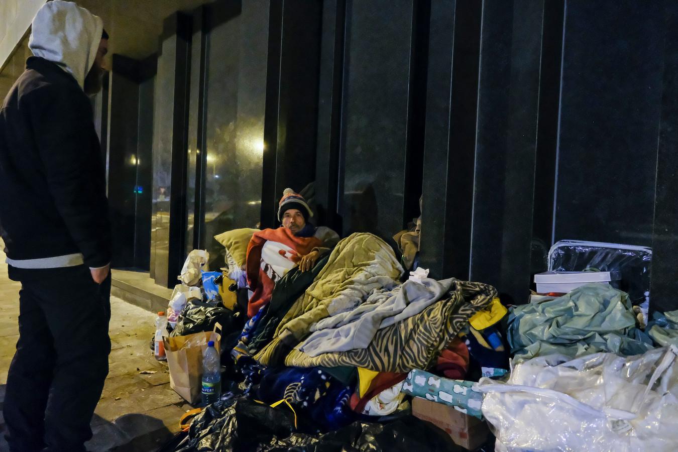 Ook deze man blijft liever op straat slapen;