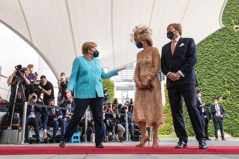 Gisteren ontving de Duitse bondskanselier Angela Merkel koning Willem-Alexander en koningin Máxima. Beeld Maja Hitij/Getty