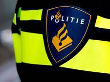 Politie Zaandam zet inbreker aan lantaarnpaal vast
