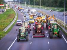 Boeren mogen niet meer met tractor de snelweg op en worden meteen bekeurd