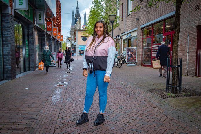 Britney uit Den Hoorn winkelt en wandelt graag in Delft.