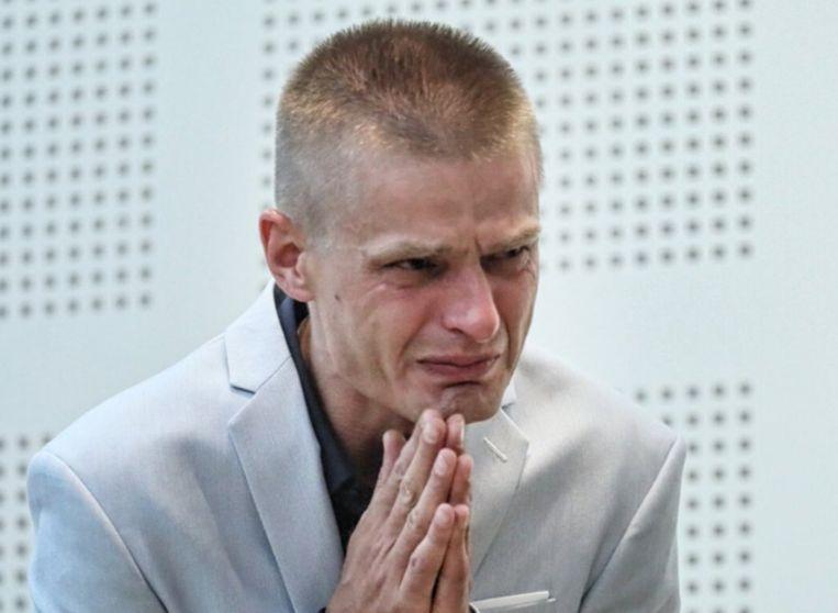 De Pool reageerde erg emotioneel toen hij eindelijk de verlossende woorden hoorde dat hij een onschuldig man is.