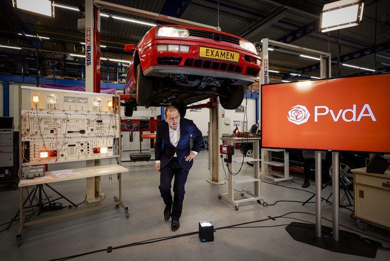 Lijsttrekker Lodewijk Asscher van de PvdA tijdens de presentatie van het verkiezingsprogramma voor de komende Tweede Kamerverkiezingen.  Beeld ANP
