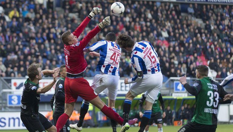 Heerenveen won met 2-1 tegen Groningen, na de match gingen de supporters van beide ploegen op de vuist met elkaar. Beeld PHOTO_NEWS