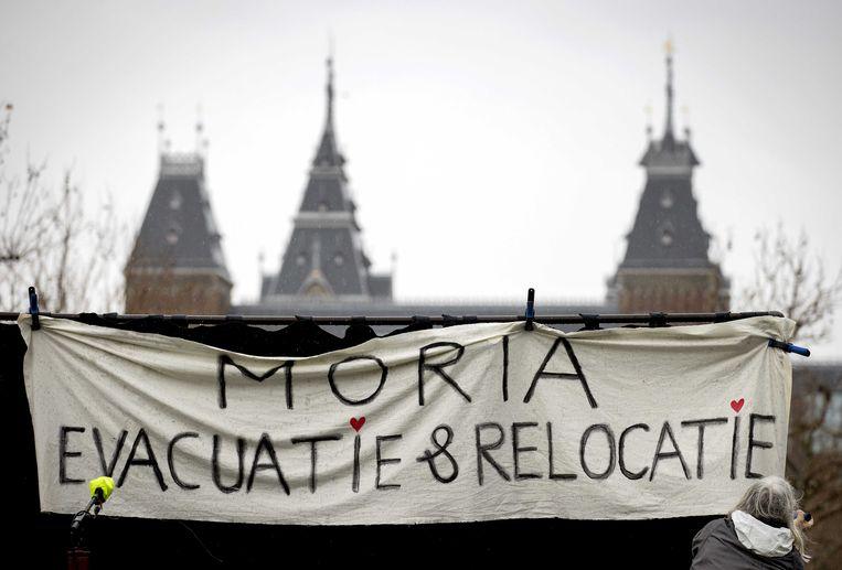 Een demonstratie op het Amsterdamse Museumplein tegen de vluchtelingenkampen in Europa. Beeld ANP