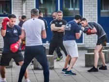 Beste boksclub van Nederland zit in de Schilderswijk: 'We zijn hier één grote familie'
