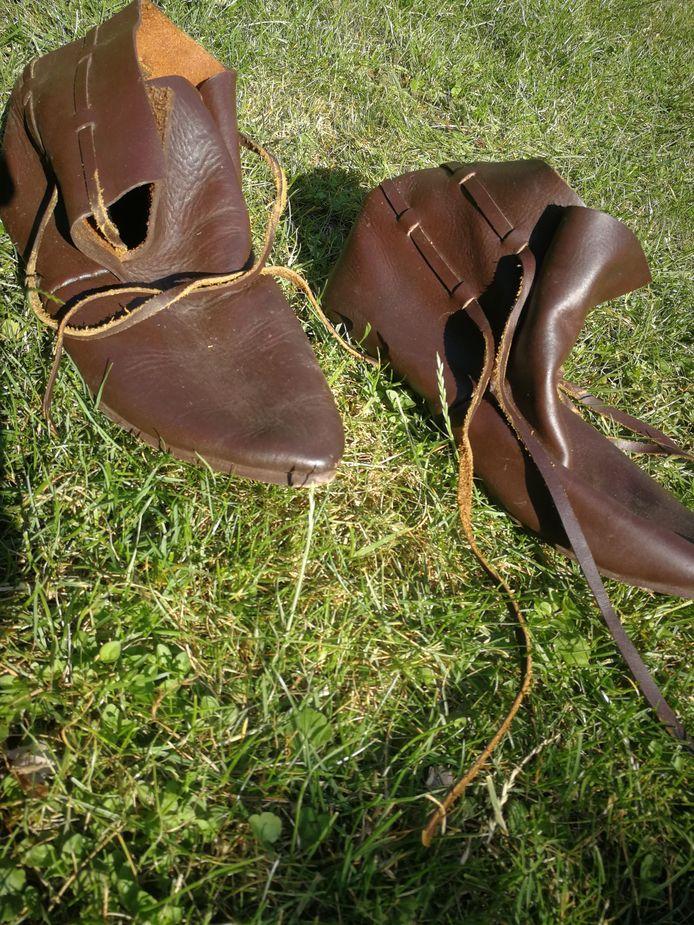 De schoenen van Johannes van Ommen, geïnteresseerden kunnen op 1 september 'in zijn voetsporen treden'.