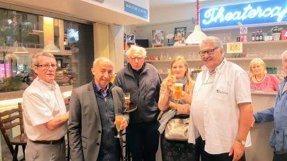 Wijkbewoners Hazegras drinken pintje met Jan Decleir en Stijn Coninx
