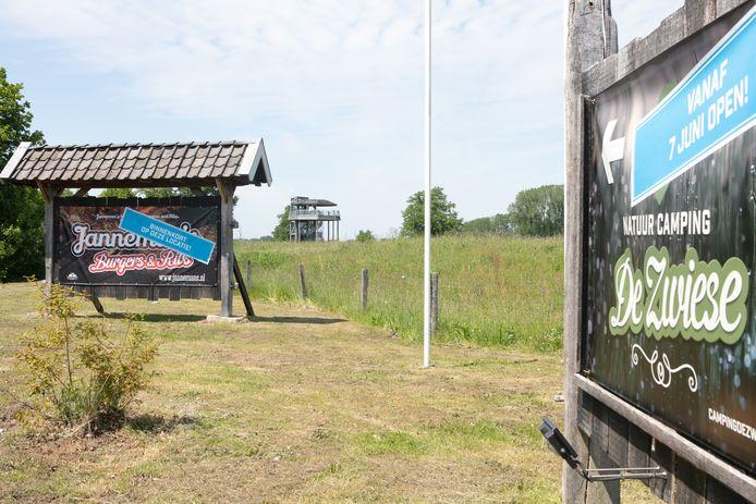 Janneman's Burgers and Ribs Restaurant verhuist van Theater De Voorveghter in hartje Hardenberg naar Landgoed De Zwiese in Loozen.