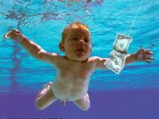"""Le bébé nu sur la célèbre pochette de """"Nevermind"""" attaque Nirvana pour pédopornographie"""