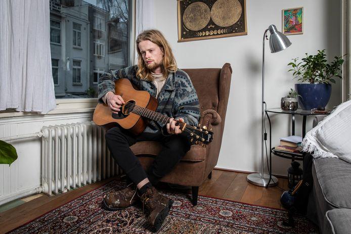 Jim van der Zee (26) verhuisde van Driebergen naar Amsterdam.