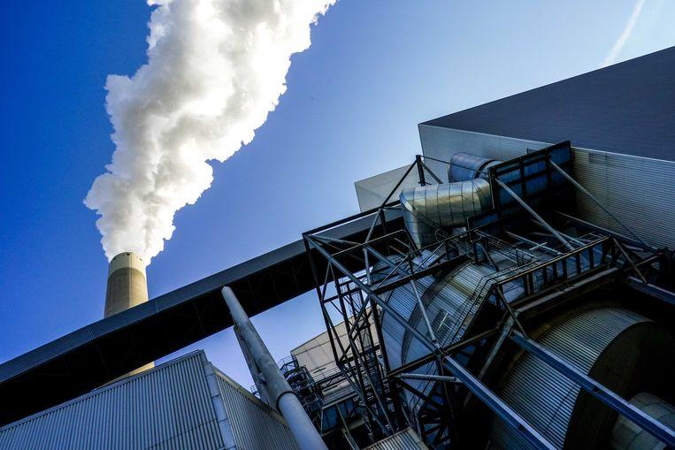 De Hemwegcentrale die in december sluit, om de zelfopgelegde klimaatdoelen van het kabinet te halen - wat alleen niet genoeg is, volgens het Planbureau voor de Leefomgeving.  Beeld ANP