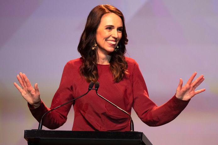 De Nieuw-Zeelandse premier Jacinda Ardern krijgt al maanden lof voor haar aanpak van de coronacrisis in haar land.