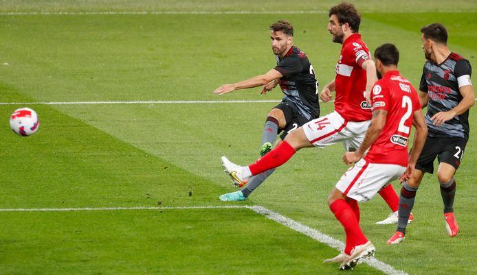 Rafa Silva maakt de 1-0.